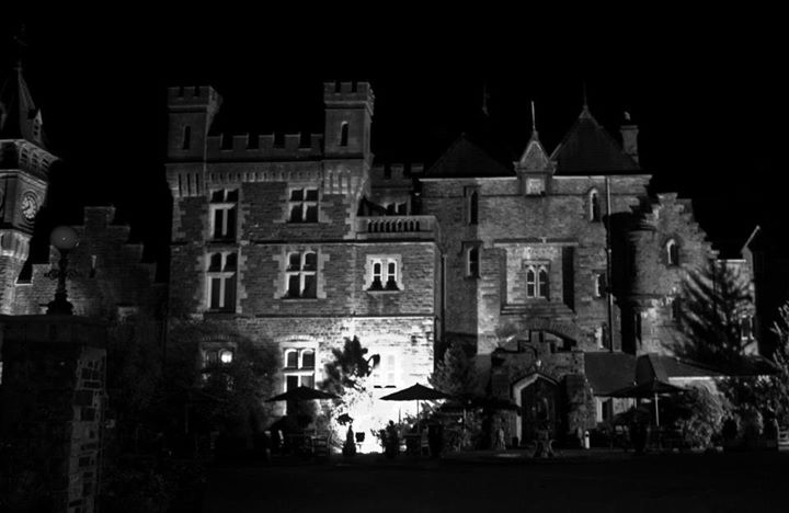 Brecon Beacons Hotel Craig y NosCastle at night